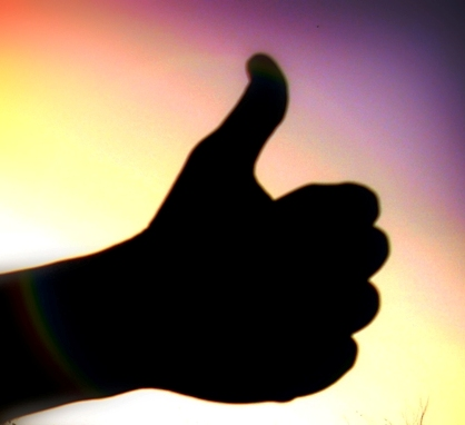 Thumbs_up_by_Wakalani